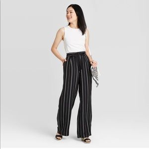 Mid-rise, blank and white stripe linen pants